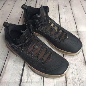 Jordan Melo M11 black/gold basketball shoes